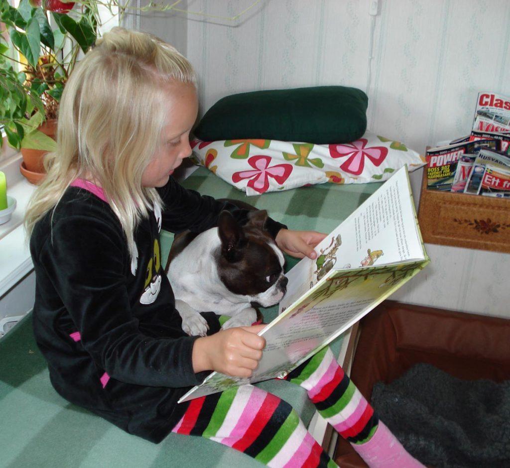 2009.Hedda läser-stor